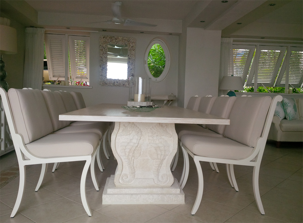 Pic-1-seahorse-table