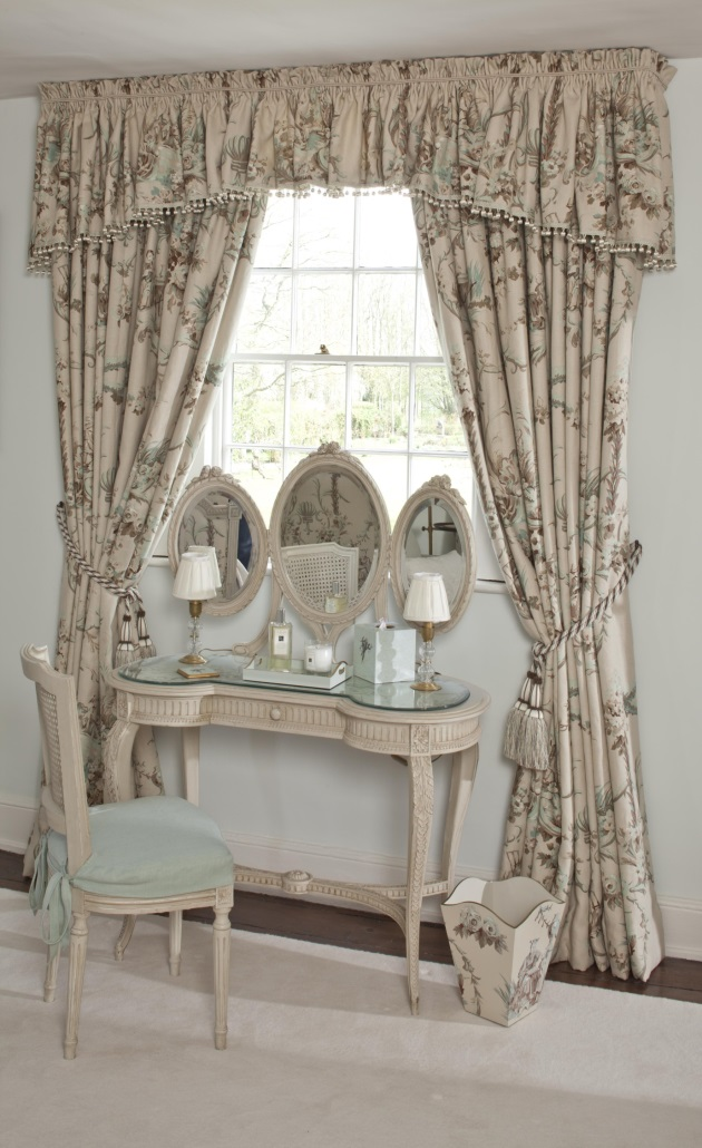 Magic of Mirrors Antique Distressed