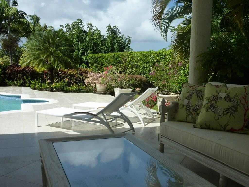Just Rooms Caribbean Poolside Lounging