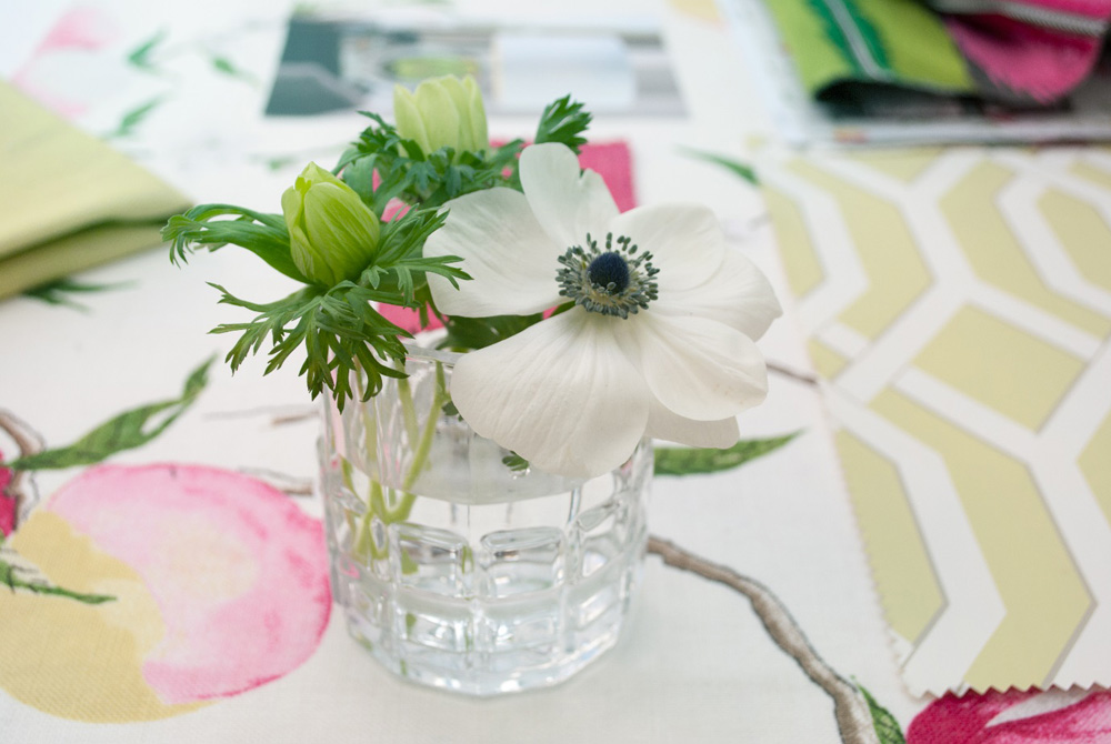 Jenny Blanc Blog - White Anemones Flowers Brighten the Design Table