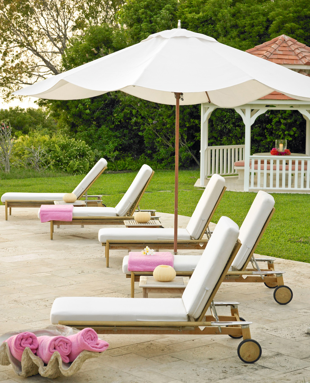 Jenny Blanc Blog - Jenny Blanc Clam Shell with Teak Sun Loungers