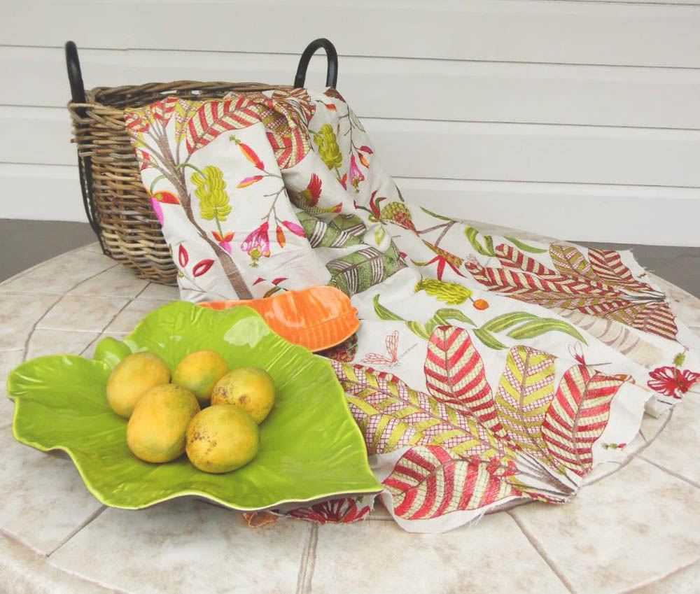 Jenny Blanc Blog - Jane Churchill fabric and ceramic leaf plater with mangoes